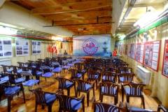 Der ausgebaute Laderaum eignet sich für Vorträge und Konzerte